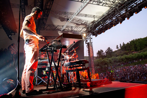manu-delago-perfroms-onstage-with-bjork-at-the-eden-project-on-july-7-picture-id993729880.jpeg